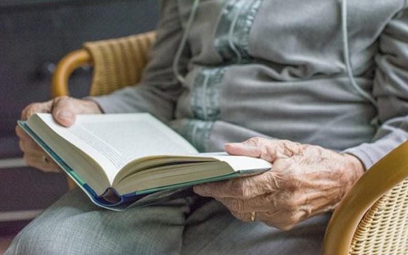 Ler diminui a probabilidade de ter demência